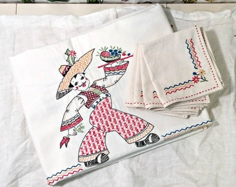 Vintage Embroidered Tablecloth and Napkin Set | Mexican Theme