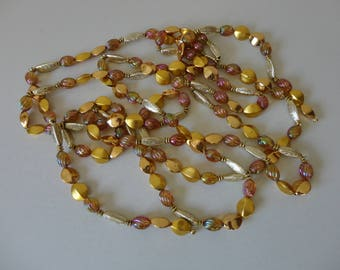 VINTAGE 1960s gold and purple BEADED GARLAND