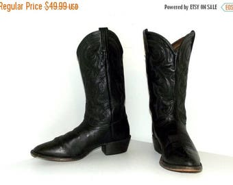 Broken In Tony Lama Black on black cowboy boots size 10 D or cowgirl size 11.5