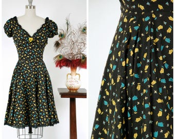 Vintage 1950s Dress - Delightful Novelty Print Cotton 50s Sundress with Tiny Sailing Ship on a Full Skirt