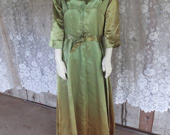 Vtg Frederick's of Hollywood 1950s Acetate Robe / Lounge Robe / Pin Up / COSPLAY /