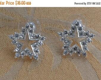 On sale Pretty Vintage Rhinestone, Silver tone Star Pierced Earrings (B11)