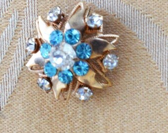 ON SALE Pretty Vintage Clear, Aquamarine Rhinestone Floral Brooch, Gold tone, Small (AE12)