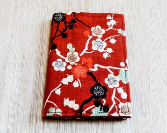 Fabric Wallet, Floral Wallet,  Bi-Fold Wallet, Slim Wallet, Medallion Wallet, Wallet, Wallet for Women, Floral Print in Asian Style in Red
