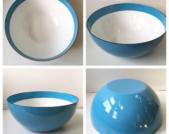 Unusual Interior Stripe Design Mid-Century Enamelware Bowl - Finel