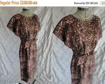 ON SALE 50s 60s Dress // Vintage 1950s 1960s Brown Print Silk Wiggle Dress by Helga Size M 27 waist metal back zipper Helga & Robert Oppenhe