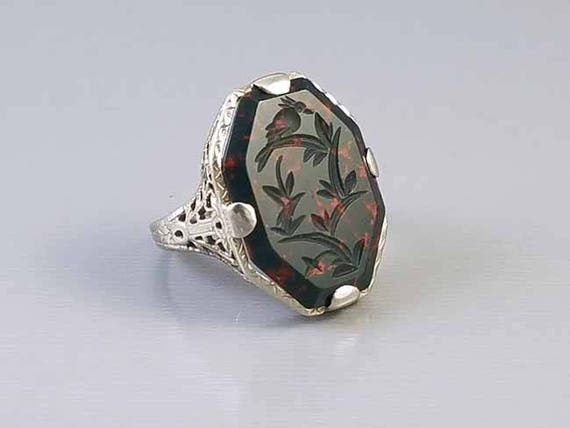 Antique early Art Deco 1920s 14k white gold filigree carved intaglio bird on a branch bloodstone statement ring signed Belais, size 5