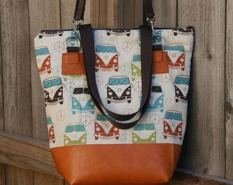 Vintage Retro Van- Detachable Over The Shoulder Straps- Lunch Bag- Zippered Lunch Tote-Water and Mildew Resistant Interior