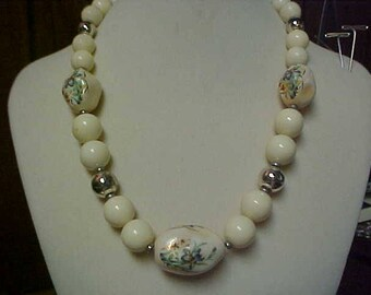 Vintage off white necklace with hand painted beads