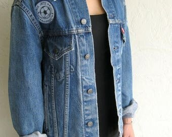 40% OFF CLEARANCE SALE The Vintage Levi's Livonia Jets 1980 Medium Wash Jean Jacket