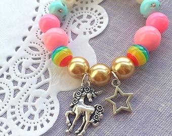 Unicorn charm bracelet, unicorn kids birthday party favor, unicorn jewelry, unicorn bracelet, unicorn favor, kids jewelry, SET of FIVE.