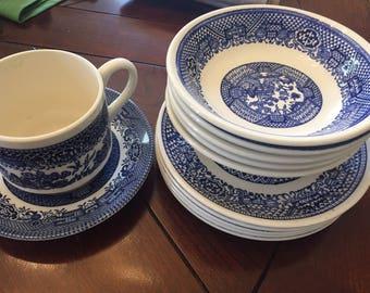 Blue Willow Transferwate Dinner Plates