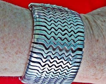 """Vintage silver tone and black  8"""" bracelet with ethic/tribal feel in great condition, appears unworn"""