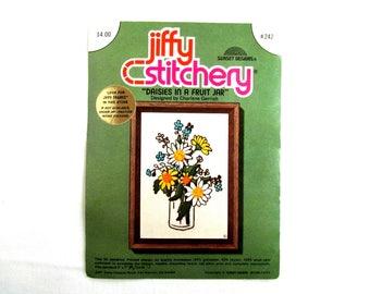 Vintage 1970s vintage stitchery kit, daisies in a fruit jar