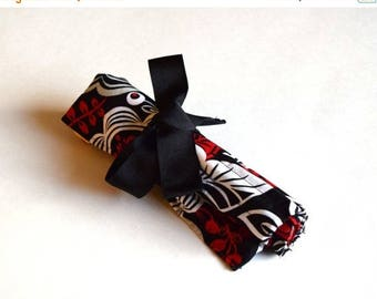 ON SALE Medium Crochet Hook Holder - Red, Black and White Flowers, Yellow Lining