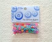 Petite pierre couleur boutons - «petite pierre» - Dress It Up - 7 mm - paquets de 60 02/2018