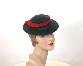 1940s hat straw hat tilt hat toy hat flat hat navy blue red with chin strap