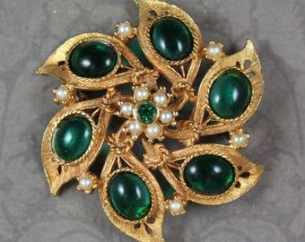 Vintage Green Glass, Rhinestone & Faux Pearl Gold Tone Round Brooch