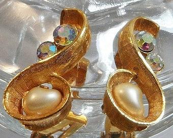 SALE Vintage Pearl Rhinestone Earrings. AB Rhinestones. Heart Shaped Faux Pearls.
