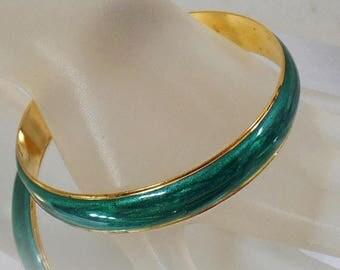 SALE Vintage Green Swirl Enamel Bracelet.  Avon.  Green Swirl Enamel Gold Bangle Bracelet.