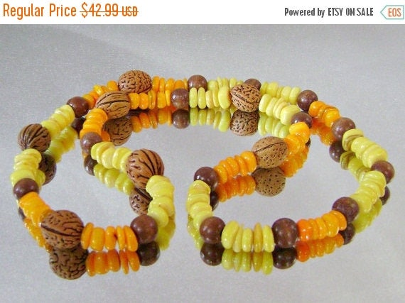 SALE Vintage Necklace Pearls Freshwater Pearls in Lemon Yellow and Orange Melon with Walnuts