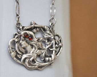 VINTAGE FIND, vintage Victorian style sterling silver 925 fair maiden necklace with ruby red stones