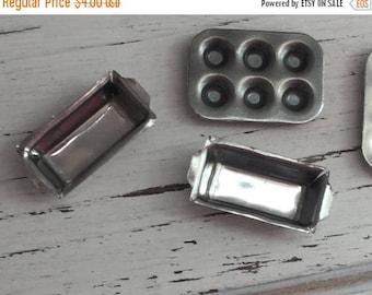 SALE Miniature Aluminum Bread Baking Pans, Dollhouse 1:12 Scale Miniatures, Set of 2 Pans, Dollhouse Kitchen Accessories
