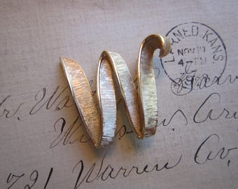 vintage Trifari initial brooch - letter W - initial W brooch, signed Trifari