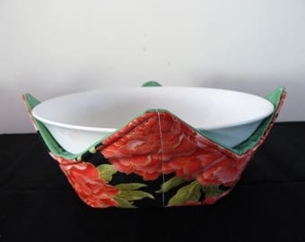 Bowl holder microwave cozy - pretty red orange chrysanthemums with green lining