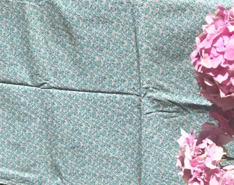 Vintage cotton fabric pink and blue floral cotton sewing quilts supplies