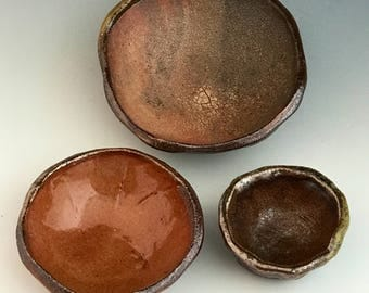 Small Pinch Pot Nesting Bowls, Wood Fired Pottery Bowls, 3 Ceramic Stacking Bowls, Miniature, Kitchen Bowls, Handy Household Bowls.