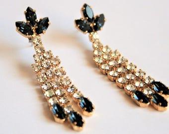 Vintage blue crystal earrings. Long earrings. Dangle earrings.  Drop earrings.  Vintage jewellery