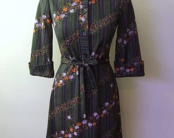 50% OFF Beautiful Ladies Size Medium Dress - Forest Green and Floral Pattern with Belt Button Up