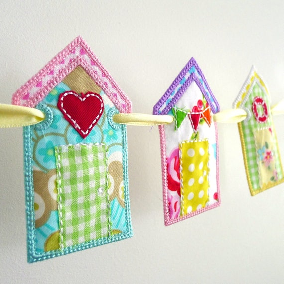 Beach Hut Machine Embroidery Design: Beach Hut Banner In The Hoop Project Machine Embroidery