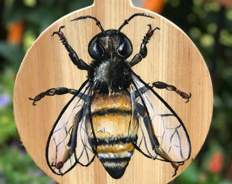 Honey bee, painting, cutting board