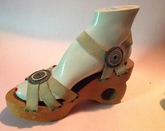 Sold! 1940s Vintage  DONUT HEEL PLATFORM Shoes Sandals Carved Sculpted Wood
