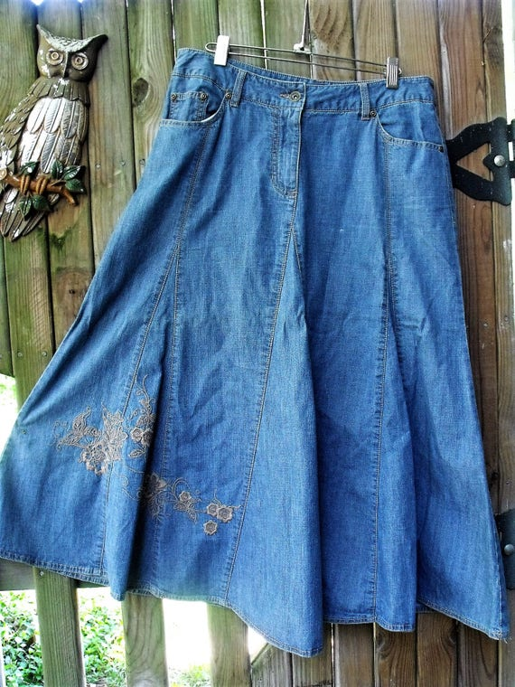 denim gored skirt faded twirly skirt embroidery