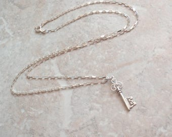 Key To My Heart Necklace Sterling Silver 24 Inch Fancy Chain Vintage V0429