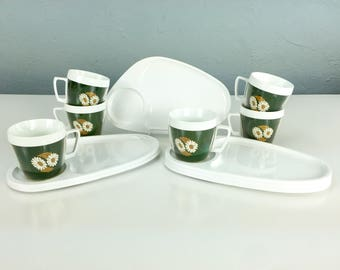 Thermo Serve Plastic Hostess Set, Coffee Cup, Poolside Serving, 1970s Westbend Flower Power Design, Made in USA
