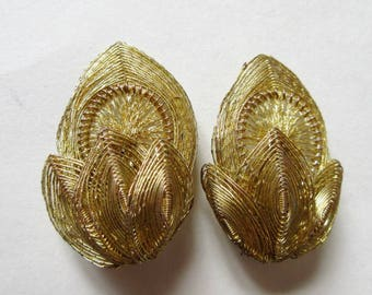 Spun Gold Wire Flower Clip On Earrings, Vintage Germany
