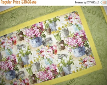 Sale Christmas in July Floral Table Runner, Spring, Summer, quilted table runner, fabric Wilmington Prints, handmade