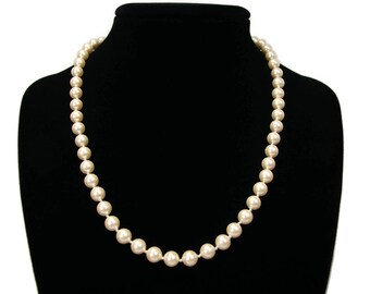 MONET Single Stand Faux Pearl Vintage Necklace