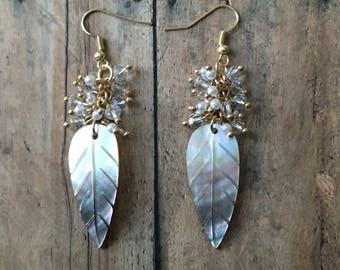 Shell leaf dangle earrings