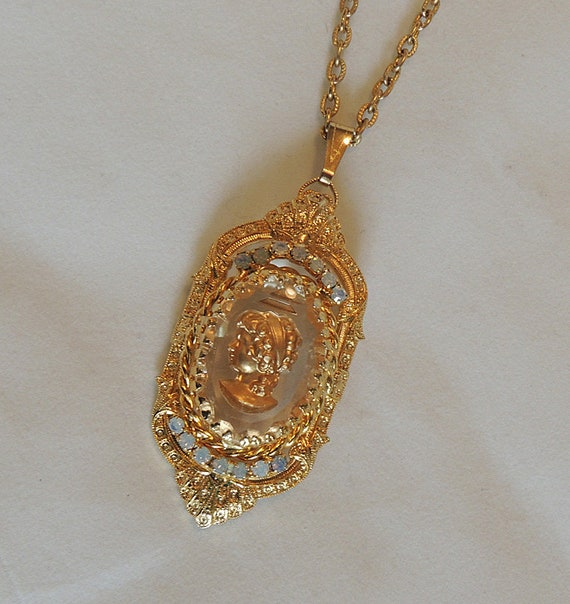 Vintage Intaglio Cameo Pin Pendant Necklace.. Goldtone And Glass With Rhinestone
