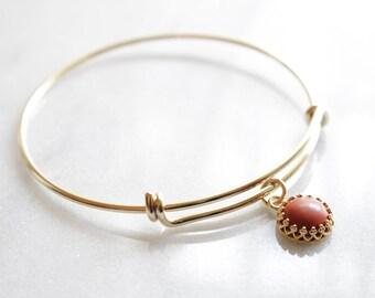 Red Jasper Bezel Pendant Brass Bangle - Red Jasper Pendant, Red Jasper Stone, Expandable Red Jasper Bangle, Stacking Bangle. Stone Bangle