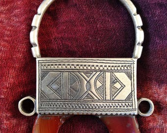 Large Tuareg Silver Necklace, with Agath & Onyx Beads, with Tifinagh at the back, Niger