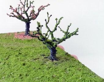 Miniature diorama War game terrain Wire tree Green grass Dioramas war games Blooming tree Handmade tree Miniature landscape Tree Flocking