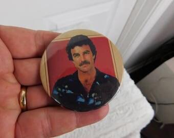 Vintage 1980's Tom Selleck Magnum PI Pin Pinback Button dr2