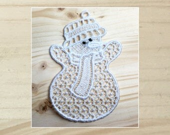 Cuddly Snowmen 3 Machine Embroidered Lace Ornament