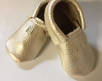 Leather Moccasins Gold Shiny 6  12 24 months Shoes